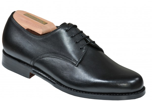 Plain Derby in Schwarz Modell Maria